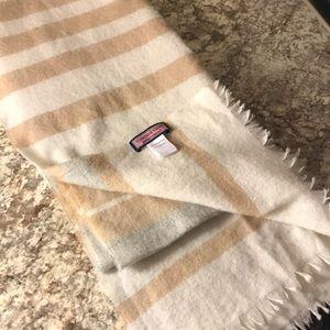 Vineyard Vines merino wool scarf